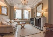 4 bed Terraced house for sale in Tennyson Road, London...
