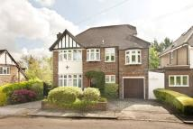 4 bed home in Belmont Close...