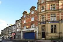 5 bedroom Maisonette in East Barnet Road...