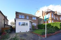 Maisonette to rent in Woodville Road, Barnet...