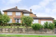 3 bed house to rent in Park road, Friern Barnet...