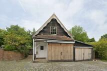 Flat to rent in Totteridge Common...