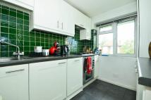 Flat to rent in Richmond Road, Barnet...