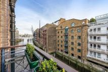 Flat to rent in Java Wharf, Shad Thames...