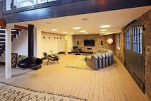 2 bedroom Flat in Wapping Wall, London, E1W
