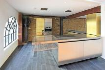 2 bed Flat to rent in Wapping Wall, London, E1W
