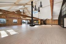 2 bed Flat in Wapping Wall, London, E1W