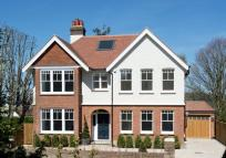 6 bedroom Detached house in Furzefield Road, Reigate...