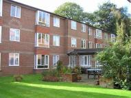 1 bedroom Flat in New Road, Crowthorne...
