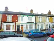 3 bedroom Terraced house for sale in Finborough Road, Tooting...