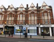Maisonette for sale in Balham Hill, London...