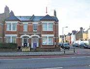 Flat for sale in Tooting Bec Road, London...
