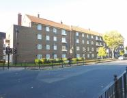 3 bed Flat in Lindley House...
