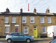2 bedroom Terraced house in Manbey Road, Stratford...