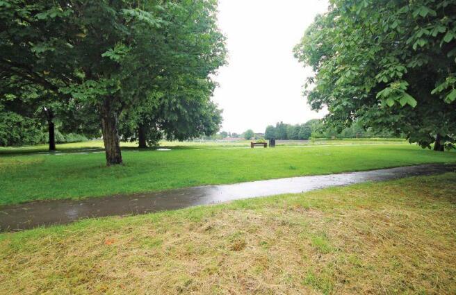 Broomfield Park opposite