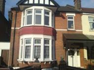 4 bed Apartment to rent in Green Lane, Ilford, IG3
