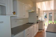 2 bed Apartment to rent in Oval Road South...