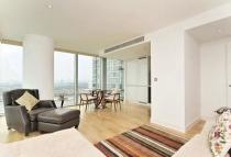 2 bed Apartment in MARSH WALL, London, E14