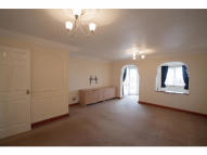 3 bedroom property to rent in Powis Grove, Kenilworth...