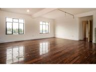 Flat to rent in Stanley Gardens, London...