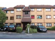 Flat to rent in Redgrave Close, London...