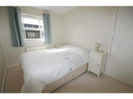 2 bed property to rent in Twyford, Reading