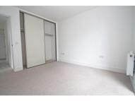 Flat in Jacks Farm Way, London...
