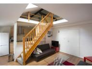 2 bed Flat to rent in Holland Park