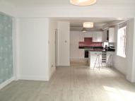2 bed Flat to rent in Sutton Lane North...