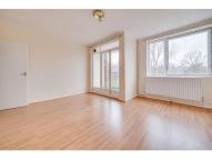 Flat to rent in Tildesley Road, London...
