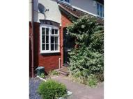 2 bedroom house in Cambridge Road...