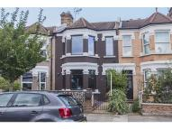 2 bed house to rent in West Ealing