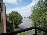 2 bedroom Flat to rent in Barnes