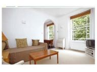 Flat to rent in Southgate Road, London...