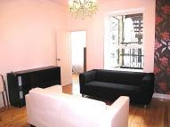 3 bedroom Flat to rent in Kensington, London