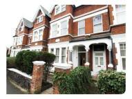 2 bedroom Flat in Ferme Park Road, London...