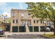 2 bedroom property in Bowmans Mews...