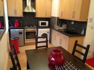 2 bed Flat in Tower Bridge Road...