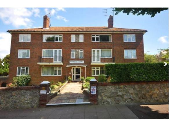 2 Bedroom Flat To Rent In Eastbourne BN20