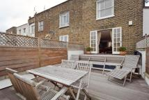 2 bed Flat to rent in Chalk Farm Road, London...