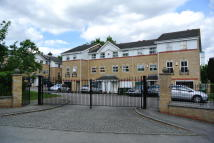 3 bed Terraced property in Ladys Close, Watford...