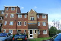 Studio flat in Pioneer Way, Watford...