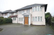 4 bedroom semi detached house in Selvage Lane, Mill Hill