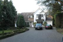 4 bed Detached property in Hartsbourne Road...