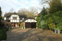 5 bedroom Detached home in Hartsbourne Road...