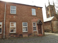 2 bed Flat to rent in Castle Street, Mauchline...