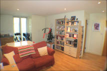 2 bedroom Apartment in Furmage Street, London...
