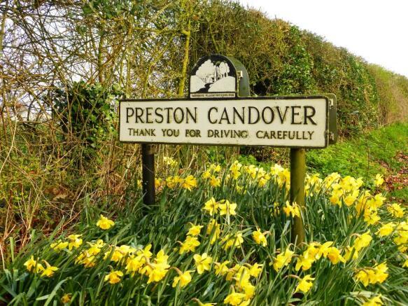 land for sale in garden close preston candover