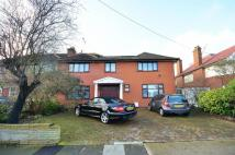 5 bed home in Robin Hood Lane...