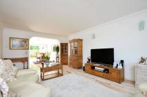 4 bedroom property for sale in Cotswold Close...